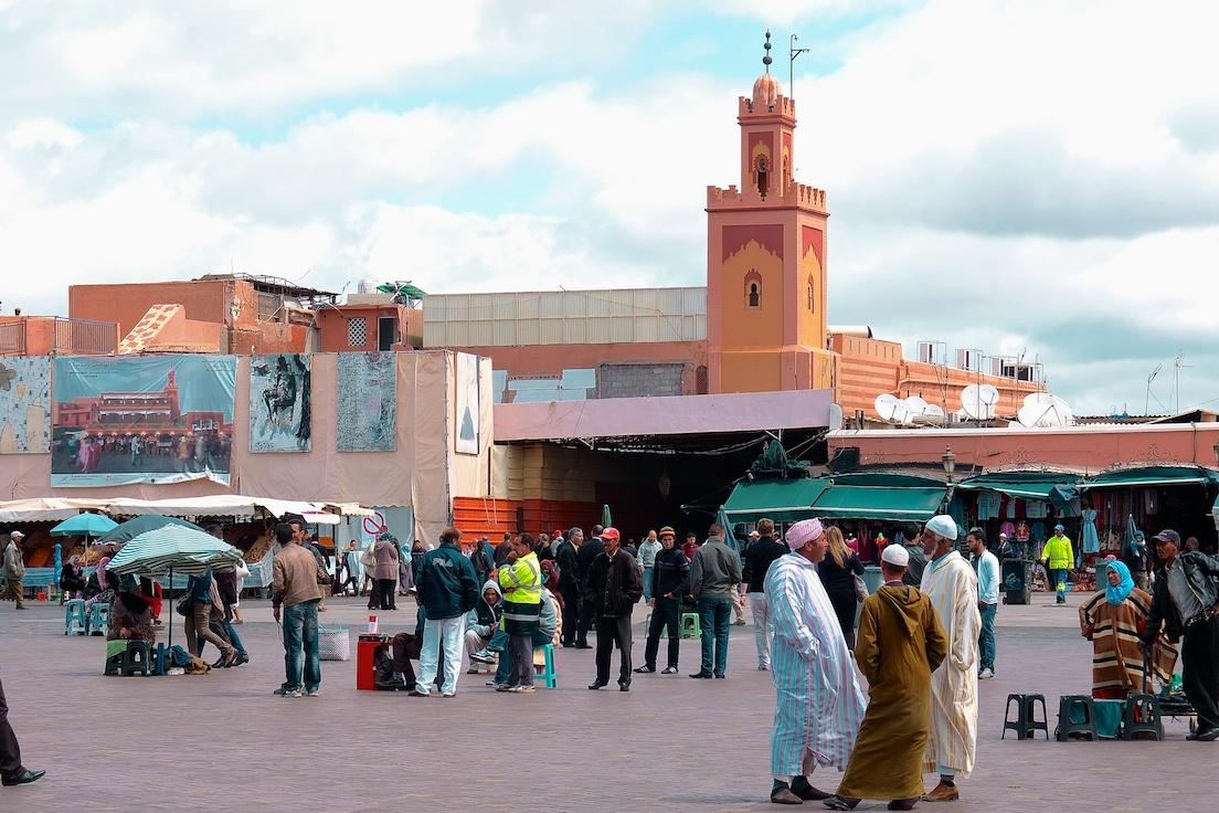 Marrakesch  -  Jemaa El Fnaa, Moschee Kharbouch