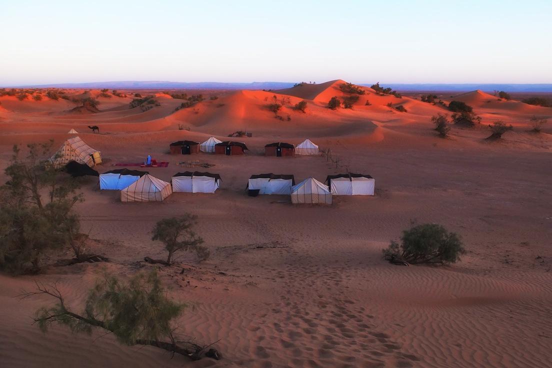 Erg Lihoudi, Wüstencamp